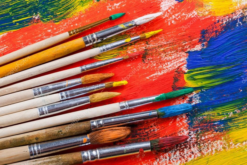 depositphotos_50240901-Paints-and-brushes.jpg - 173.93 kB